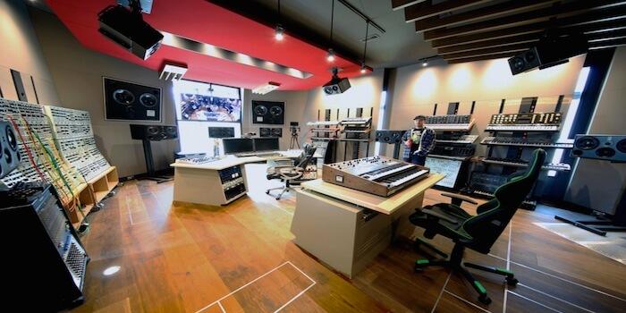 Deadmau5's Impressive New Studio