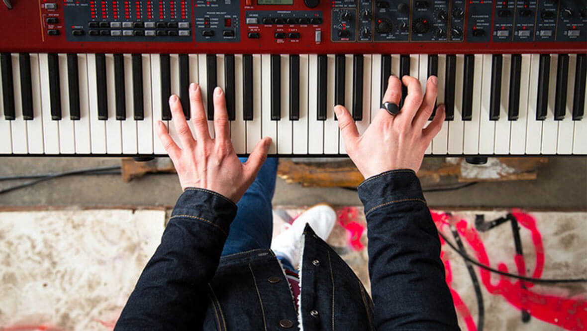 The Neova Is A MIDI Controller Ring That Uses Your Hand Gestures